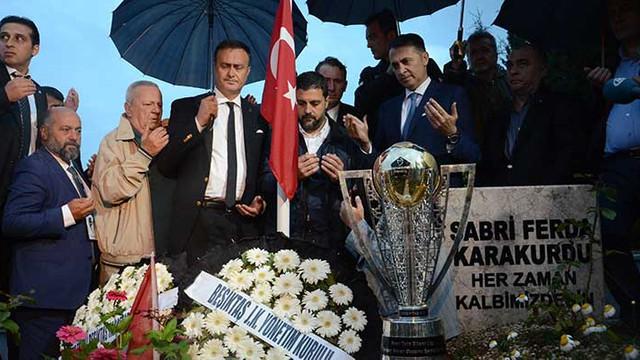 Beşiktaş'ın kupası şehidimizin mezarında
