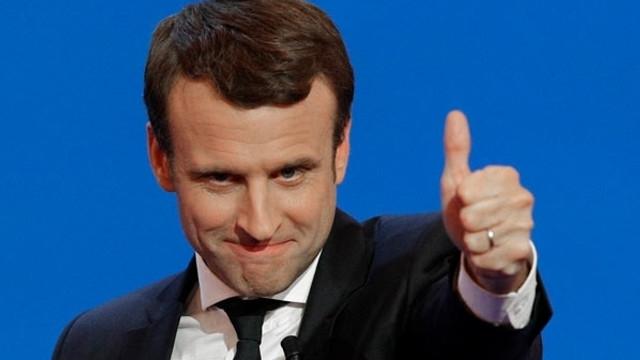 Macron'a büyük şok! O bakan istifa etti