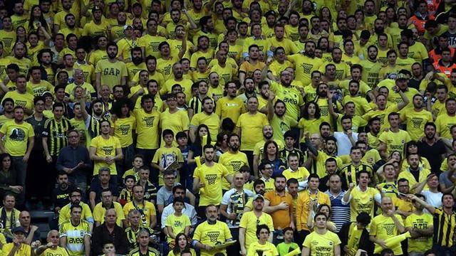 Fenerbahçe basketbolda para basıyor