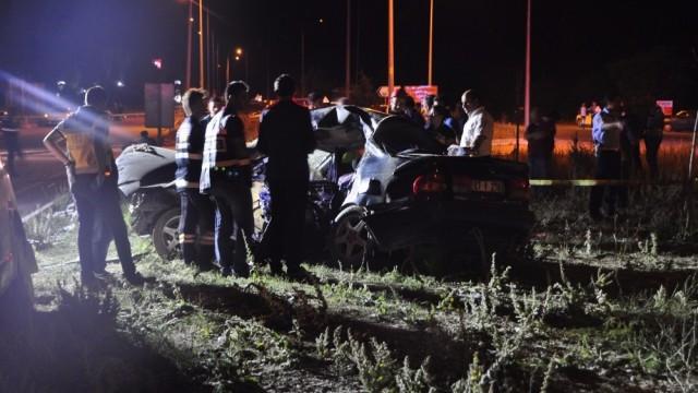Afyonkarahisar'da katliam gibi kaza: 4 ölü, 3 yaralı
