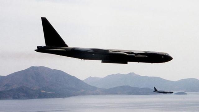 Rus jetleri, ABD savaş uçağını engelledi !