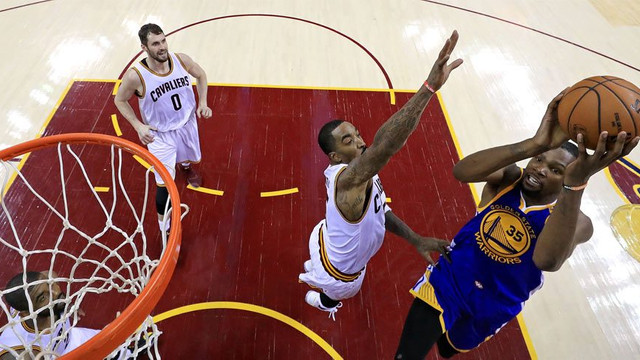 Warriors, Cavaliers'ı devirdi !