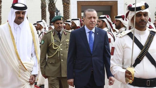 Bir ülke daha Katar büyükelçisini geri çekti
