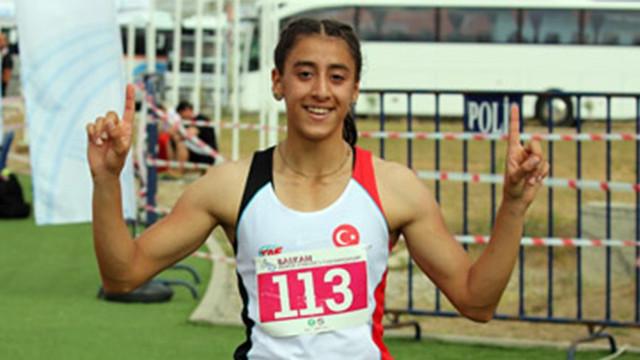 17 yaşında 29. Türkiye rekorunu kırdı !