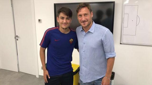 Cengiz Ünder'den Francesco Totti paylaşımı