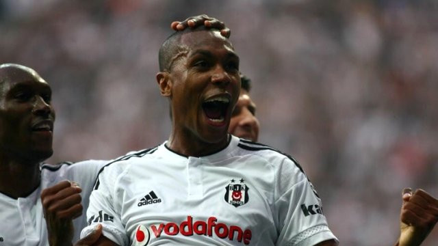 Beşiktaş savunması para bastı !
