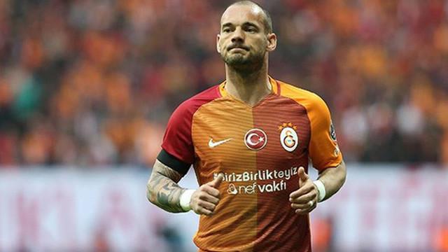 Sneijder'den Mert Çetin'e özel teşekkür