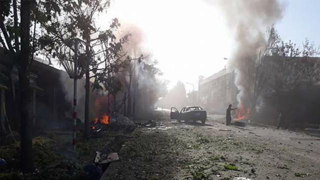 Bombalı araçla dehşet saçtılar: Onlarca ölü ve yaralılar var