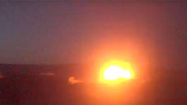 Savaş uçakları kasabayı bombaladı: Ölü ve yaralılar var