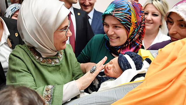 Emine Erdoğan'dan sezaryene karşı seferberlik çağrısı