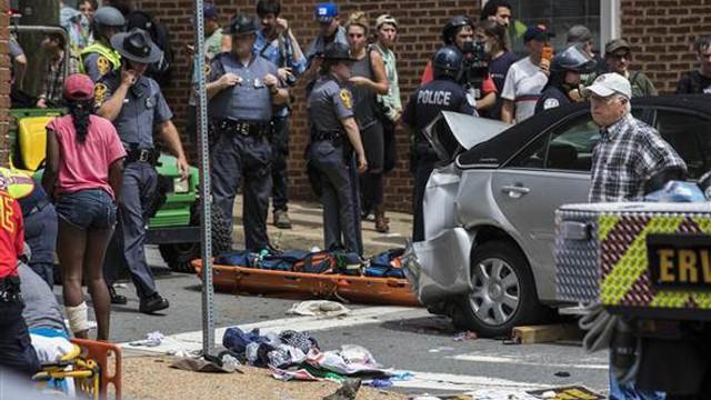 ABD'de kabus günü ! Araç göstericilerin arasına daldı