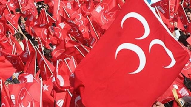 MHP'de bir istifa şoku daha; 56 kişi birden istifa etti