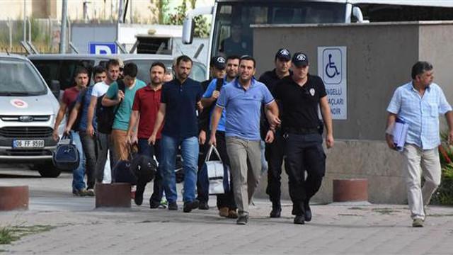 Gözaltına olan askerlerden 6'sı itirafçı oldu
