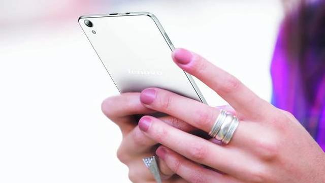 Akıllı telefon devri sona eriyor ! Onların artık yeni adı zeki telefon !