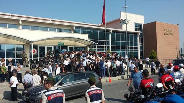 Cumhuriyet Gazetesi davasına 130 avukat katıldı