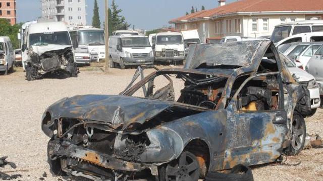 Polisin durduğu araçki 2 kişi yanarak öldü