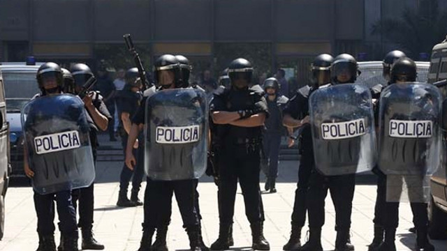 Katalan hükümetine polis baskını