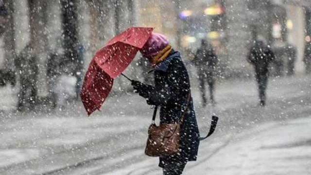 İstanbul'da için kar uyarısı ! Saat verildi...