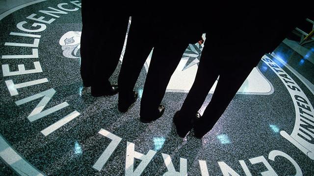 FBI, eski CIA'cıyı gözaltına aldı