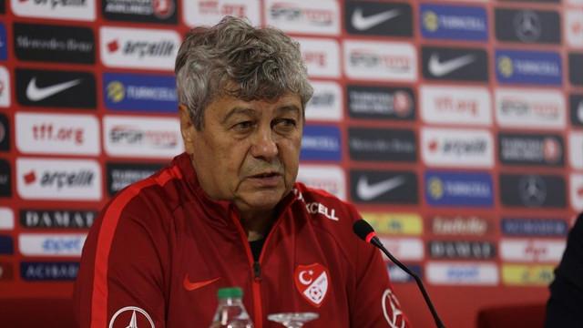 Lucescu'dan Milli futbolculara destek