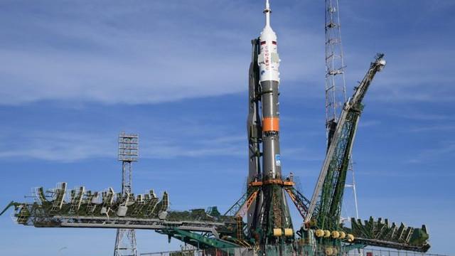 Soyuz roketi fırlatılırken arıza yaptı !