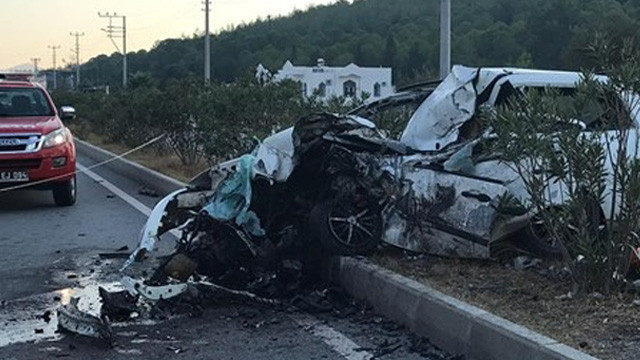 Muğla'da feci kaza: 2 ölü, 23 yaralı
