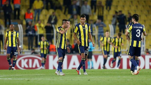 Fenerbahçe'de 5 ayrı gruplaşma !