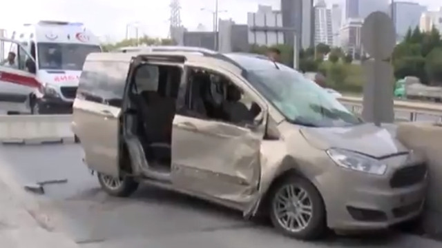 İstanbul'da akılalmaz kaza ! Gişeye sığmadılar