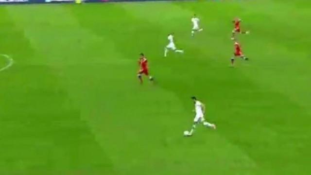 Milli maçta isyan ettiren pozisyon !