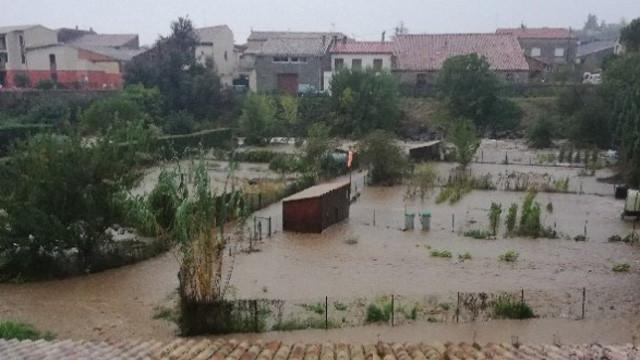 Fransa'yı ani sel vurdu: 5 ölü