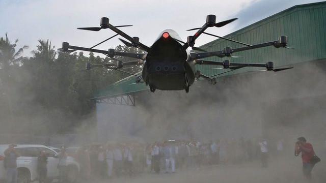 Genç mucit kendi tek kişilik drone'unu üretti