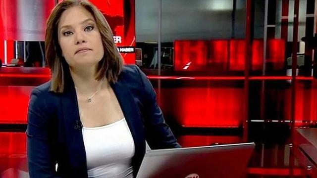 Gazeteci Nevşin Mengü sosyal medyayı salladı !