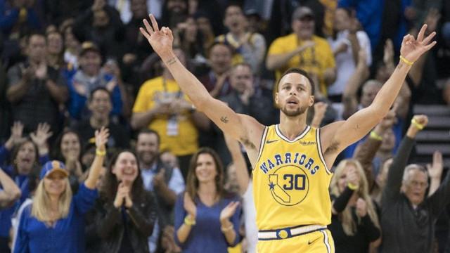 Yok artık Curry ! 3 çeyrekte attığı sayı...
