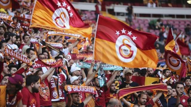 Galatasaray marşları sözleri! Sarı kırmızı renklere gönül verenlerin coşkulu marşları!