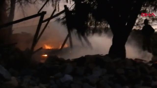 İzmir'de patlama sesi ve yangın herkesi korkuttu