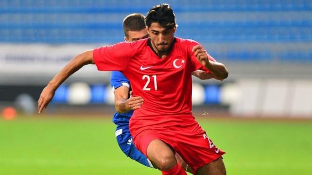 Fenerbahçe ve Beşiktaş'ın Berkay Özcan ile ilgilendiği iddia edildi