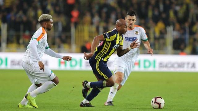 Fenerbahçe Andre Ayew'i tekrar kiralamak istiyor