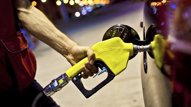 Benzine indirim müjdesi ! Bu sefer pompaya da yansıyacak