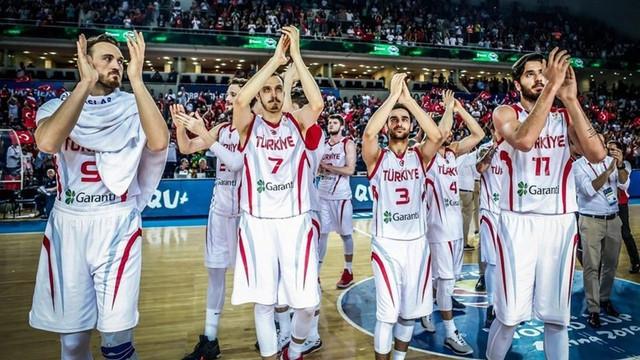 A Milli Erkek Basketbol Takımı İspanya'yı 71-67 yendi