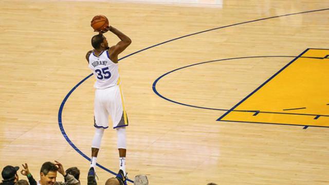Golden State Warriors serisini sürdürdü