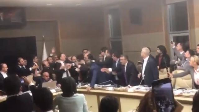 Meclis Sağlık Komisyonu'nda kavga çıktı !