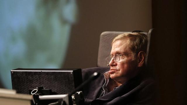 Hawking'in eşyaları için servet ödediler
