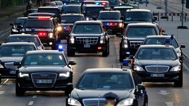 İngiltere Başbakanı'nın konvoyuna araç çarptı