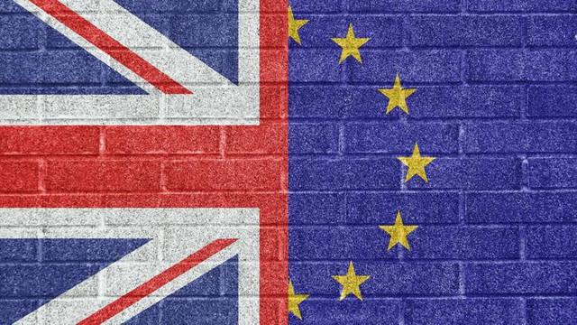 İngiltere'de Brexit depremi ! İstifa etti