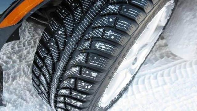 Radyo Trafik uyarıyor: ''Kış lastiğin yoksa aracını evde bırak''