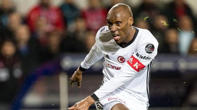 Atiba Hutchinson Beşiktaş'ta en çok forma giyen yabancı futbolcu olacak