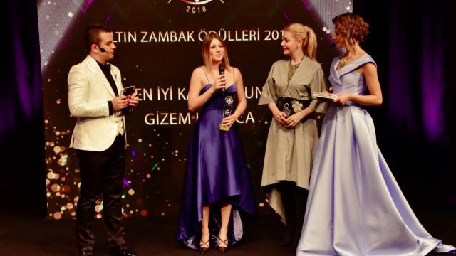 1.Altın Zambak Ödül töreninde ünlüler geçidi yaşandı