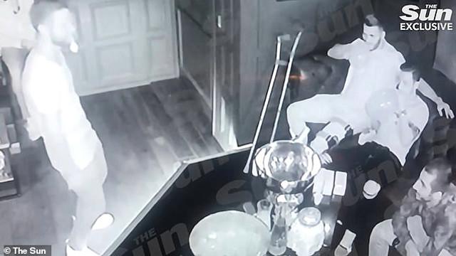 Mesut Özil uyuşturucu partisinde ! Şok görüntüler