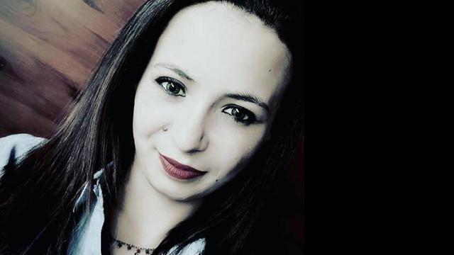 13 yaşında evlenen genç kadın 4 çocuğunu bırakıp kaçtı