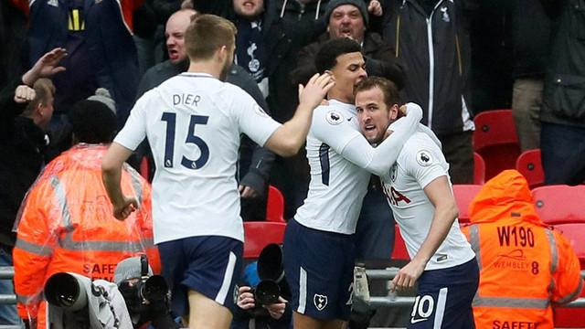 Tottenham Arsenal'i evinde devirdi !
